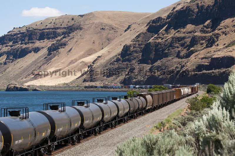 Columbia River Gorge Trains 36