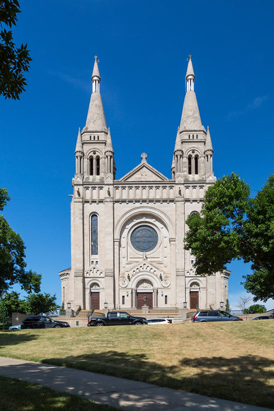 The Cathedral of St. Joseph in Sioux Falls, South Dakota, USA.