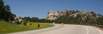 Road to Mt Rushmore National Park, South Dakota, USA
