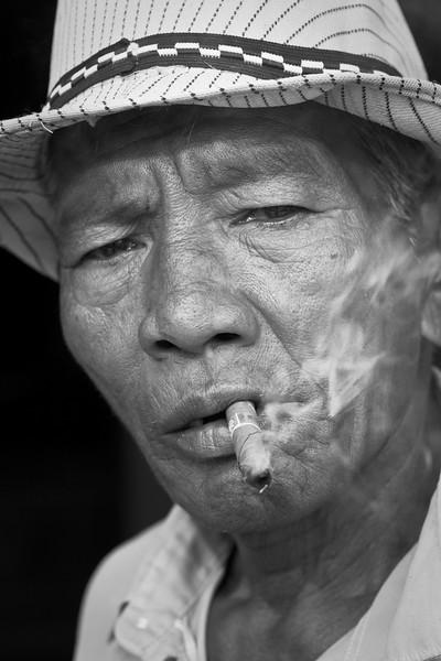 Keymaster with cheroot, Thabeik Hmauk, Bagan