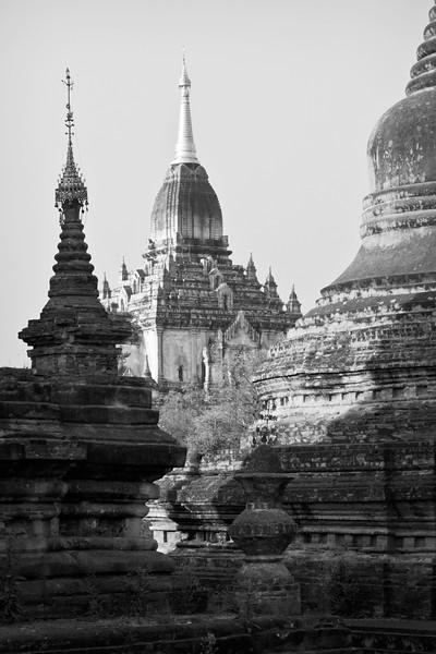 View from Myat Taw Pyay Paya towards Gawdawpalin Pahto, Bagan