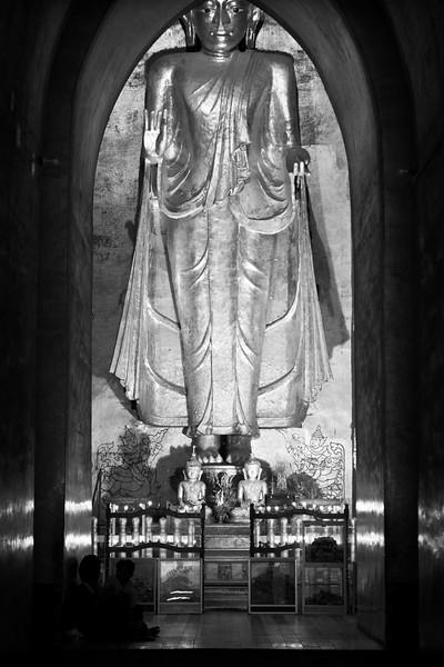 West-facing Buddha Image, Ananda Pahto, Bagan