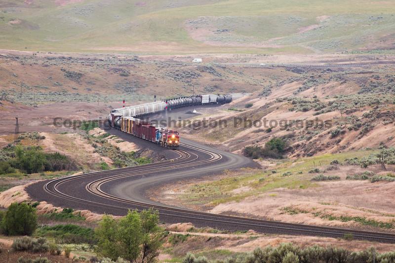Trains near Ritzville 22