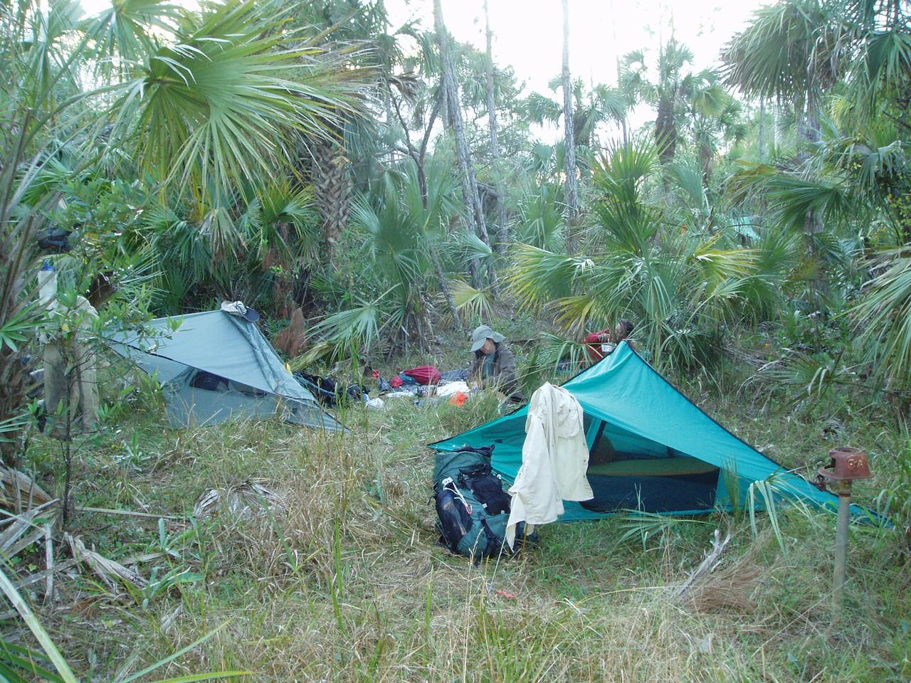 Setting up camp<br /> PHOTO CREDIT: Robert Coveney / Florida Trail Association