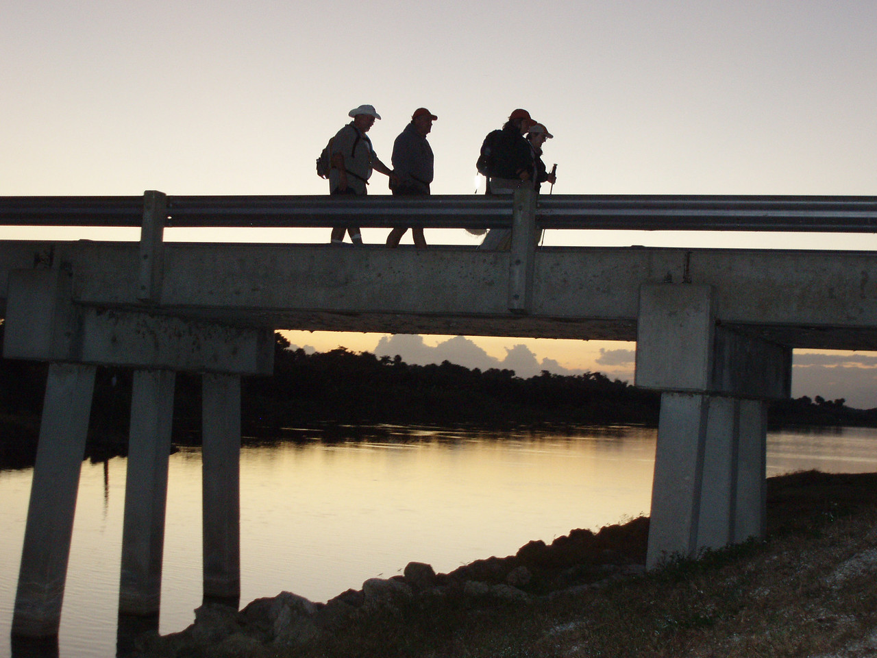Getting started on the third day of the Big O Hike<br /> PHOTO CREDIT: Robert Coveney / Florida Trail Association