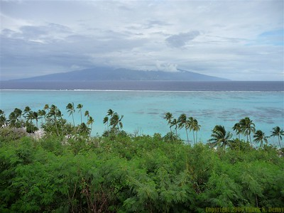 looking out to Tahiti from Moorea