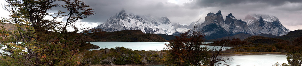A sweeping panoramic view of Piney Grande and the horns at Torres del Paine