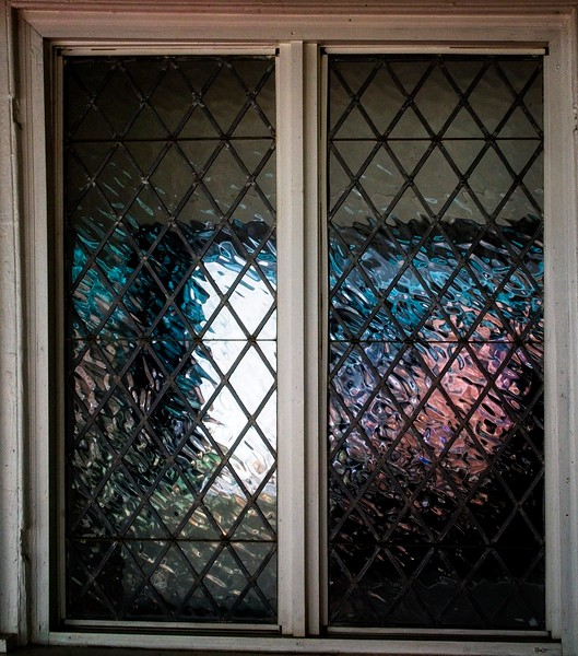 Abingdon VA - Vase Window Refleciton