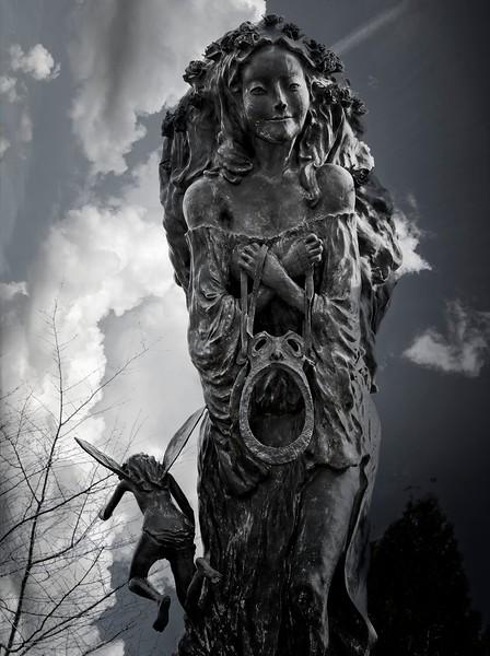 Abingdon VA - Midnight Summer's Dream Fountain
