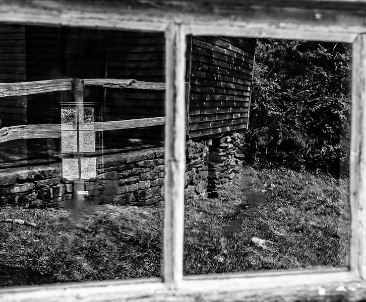 Blue Ridge Parkway - Bringegar Cabin Reflection-0300
