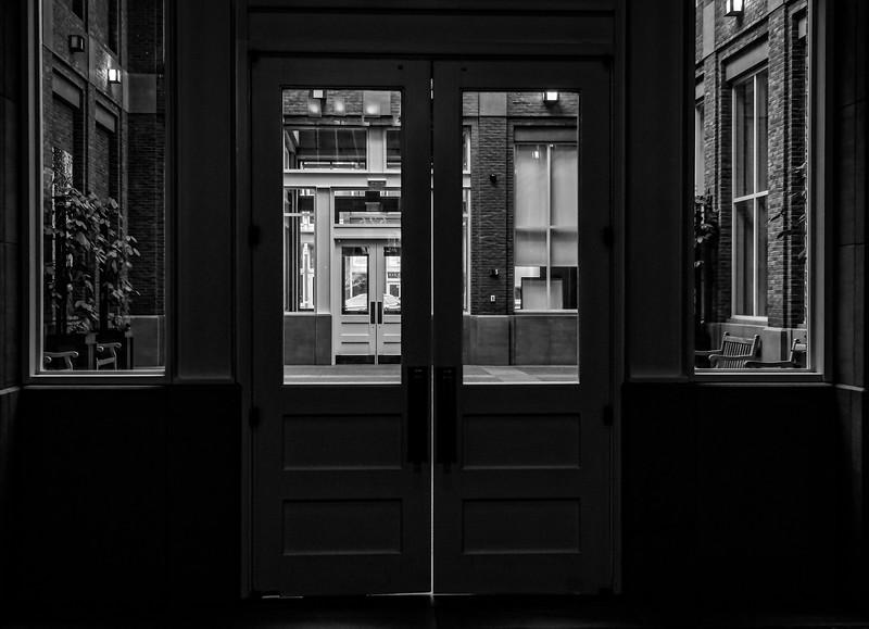 Louisville KY 21c - Door to Door