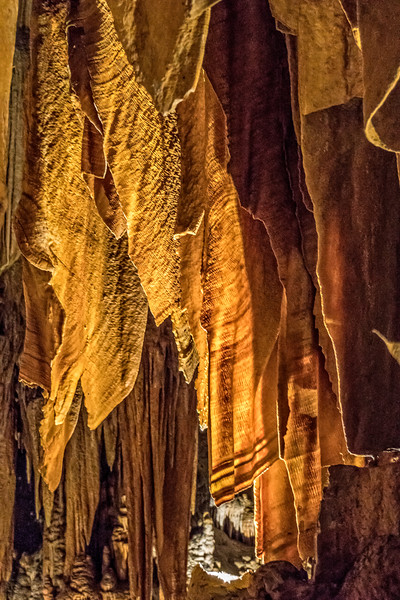 Luray Caverns -  Speleothems Curtains-1