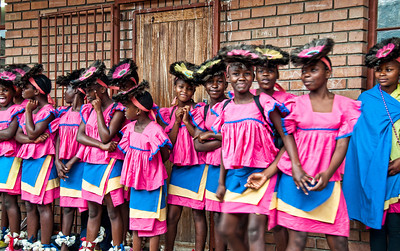 colorful-dancing-girls-1