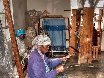women-weavers-1