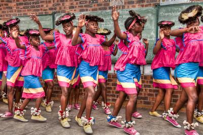 pink-dancing-girls-1
