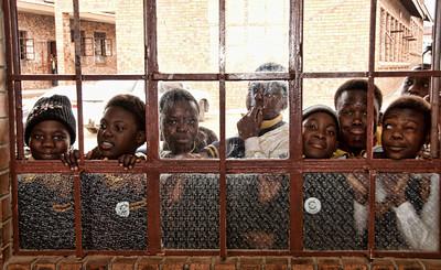 school-kids-window-1