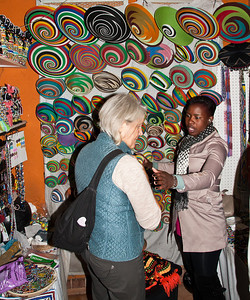 crafts-market-shopping-1
