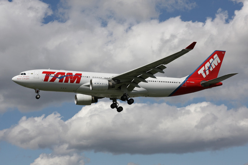 "PT-MVQ Airbus A330-223 ""TAM Airlines"" c/n 968 Heathrow/EGLL/LHR 11-05-12"