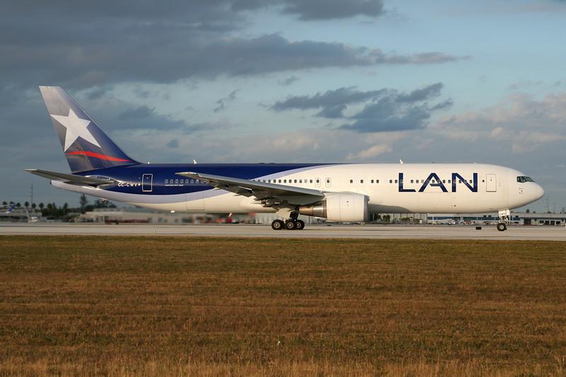 CC-CWV Boeing 767-316ER c/n 35230 Miami/KMIA/MIA 04-12-08