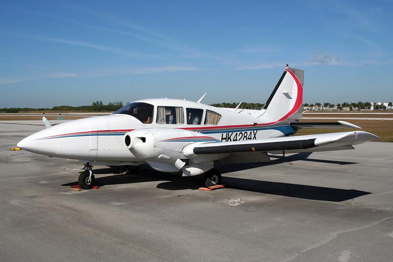 HK-4284X Piper PA-23-250 Aztec F c/n 27-7854137 Tamiami/KTMB/TMB 05-12-08