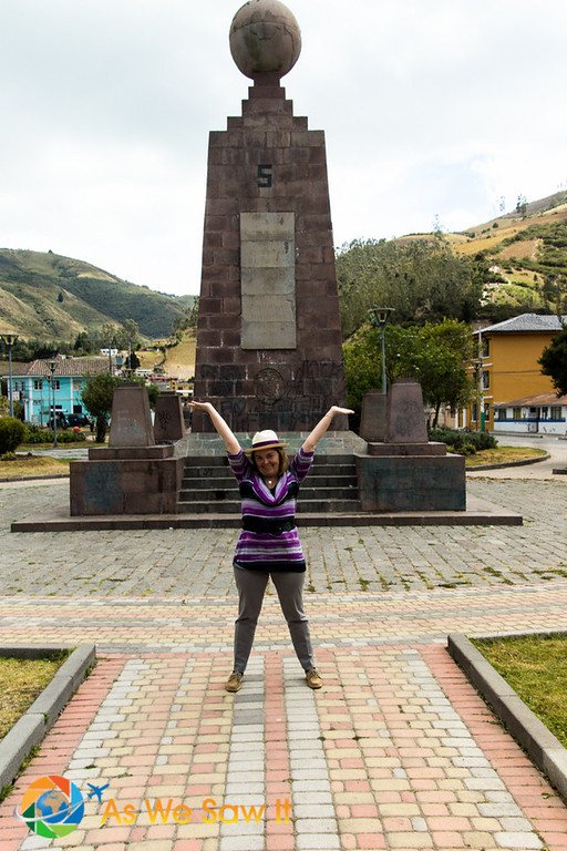 Linda poses on the Calacalí Equator line too.