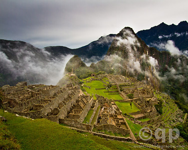MACHU PICCHU RUINS IN THE CLOUDS