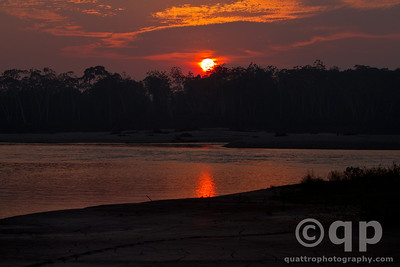 SUNRISE TAMBOPATA RIVER