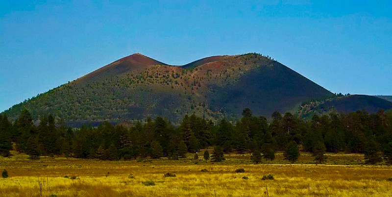 Sunset Crater Volcano was born in a series of eruptions sometime between 1040 and 1100. Powerful explosions profoundly affected the lives of local people and forever changed the landscape and ecology of the area.