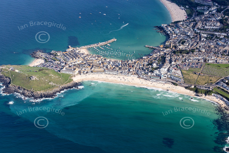 Aerial photo of St Ives.