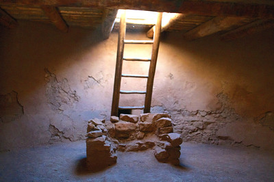 Inside the Kiva - Sacred pit for fires to pray to the spirits. - Represents a step back toward the people's origins, allowing for a closer communication with the spirits of the underworld.
