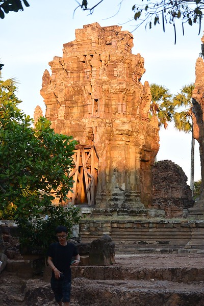 Phnom Kraum Temple