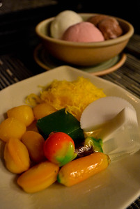 A selection of Thai desserts