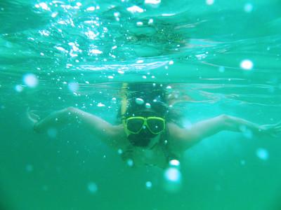 Snorkeling in Hong Island