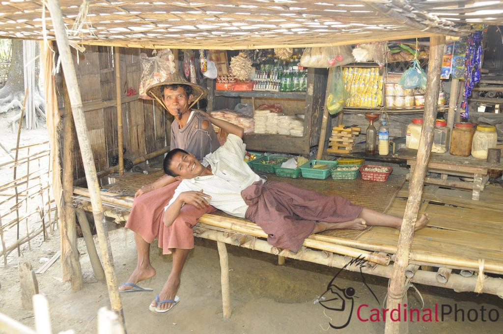 Mrauk U and Chin Villages, Rakhine Kingdom, Myanmar, Burma, Southeast Asia 1/ 30s, at f/8 || E.Comp:0 || 24mm || WB: AUTO 0. || ISO: 560 || Tone:  || Sharp:  || Camera: NIKON D300on: 2009:01:10 11:52:25