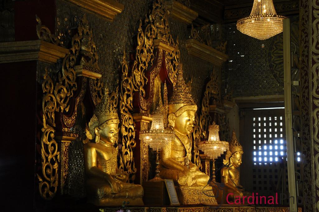 Replacement Mahamuni Buddha after theft, near Mrauk U, Rakhine Division, Arakhan Kingdom, Myanmar (Burma), Southeast Asia
