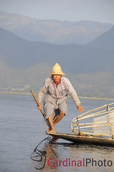 Inle Lake Area, Shan State, Myanmar (Burma), Southeast Asia 1/ 500s, at f/8 || E.Comp:-3 / 6 || 112mm || WB: AUTO 0. || ISO: 400 || Tone:  || Sharp:  || Camera: NIKON D300on: 2009:01:14 16:41:54