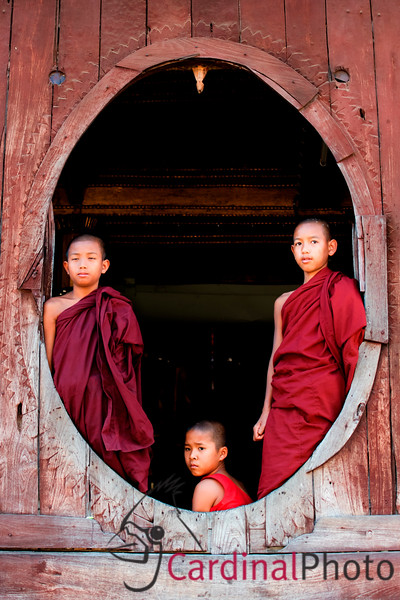 Pindaya caves and drive from Mandalay, Myanmar
