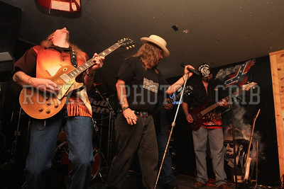 Street Survivors Live at Stoney B's 2008_0920-191
