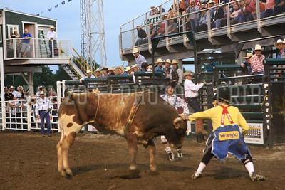 PRCA BULL RIDING 1 2012-0814-031