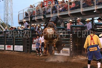 PRCA BULL RIDING 1 2012-0814-023
