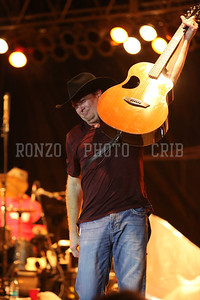 Tracy Lawrence 2013_0809-288