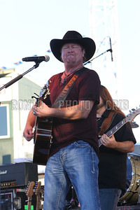 Tracy Lawrence 2013_0809-020