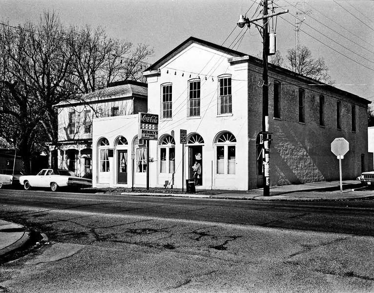 Henery's Store.jpg