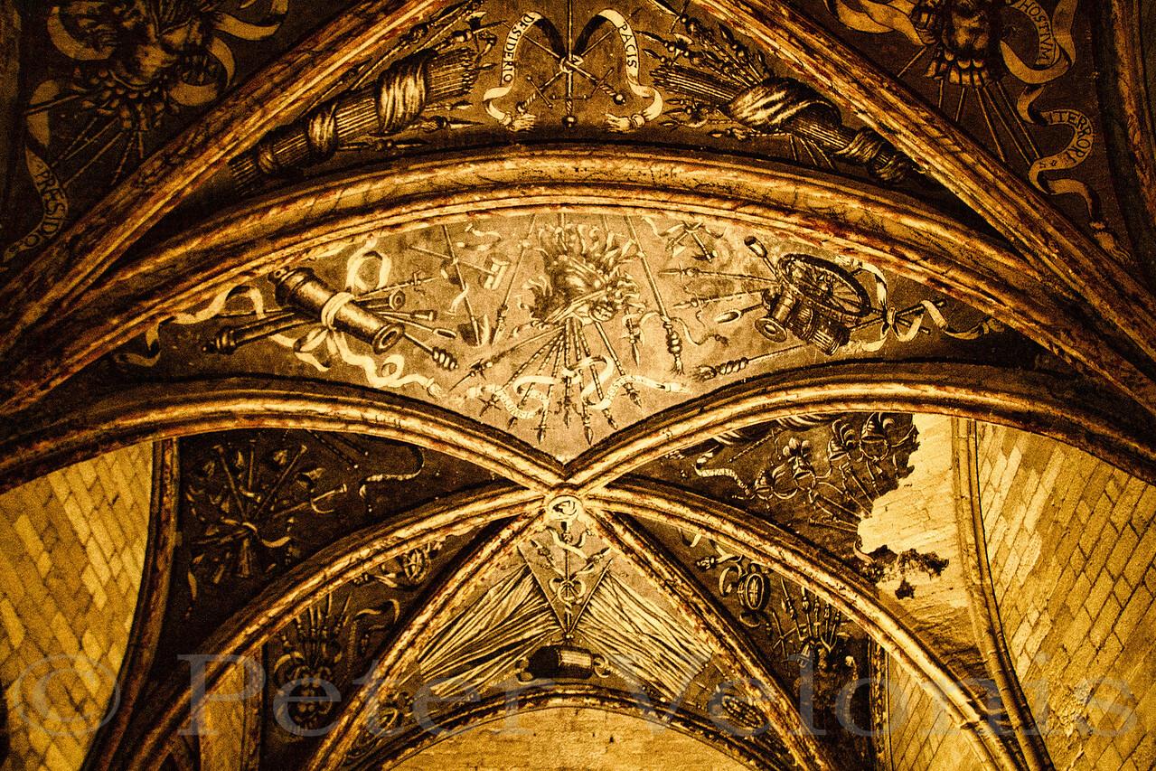 Gilded arches in Avignon