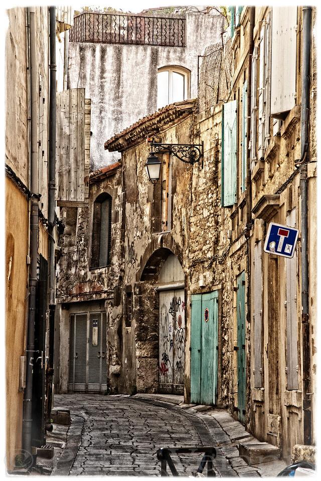 Arles alley