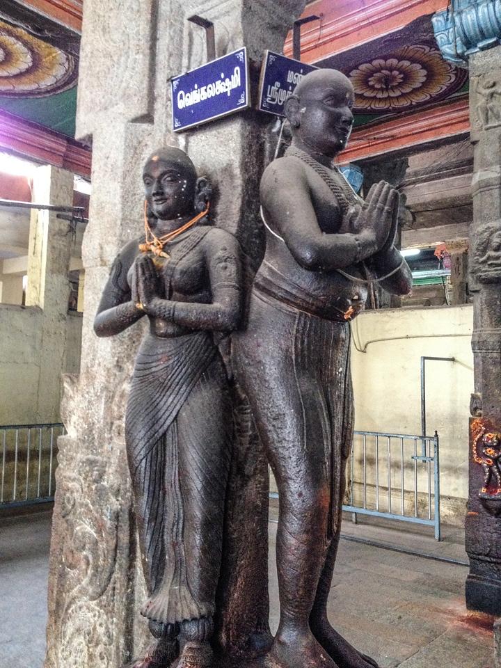 Meenakshi Amman Temple (17C)