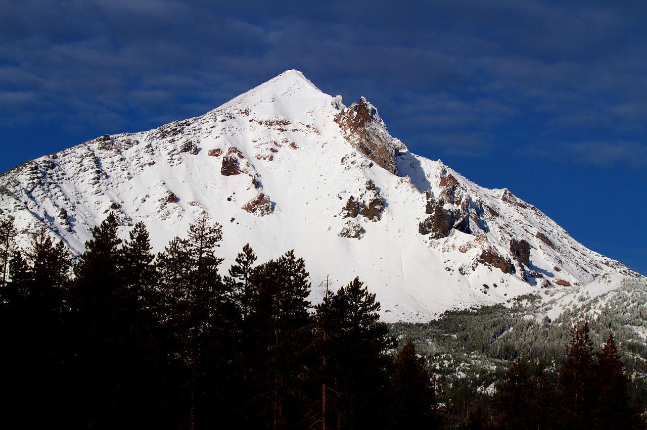 McLoughlin Peak close-up IMG_9374_5_6_tonemapped