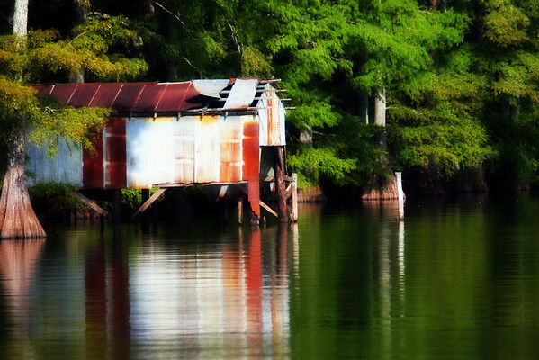 http://www.gritsphotography.com/Southern-Places/Landscapes/boathouse/608523763_DdXxk-M-2.jpg