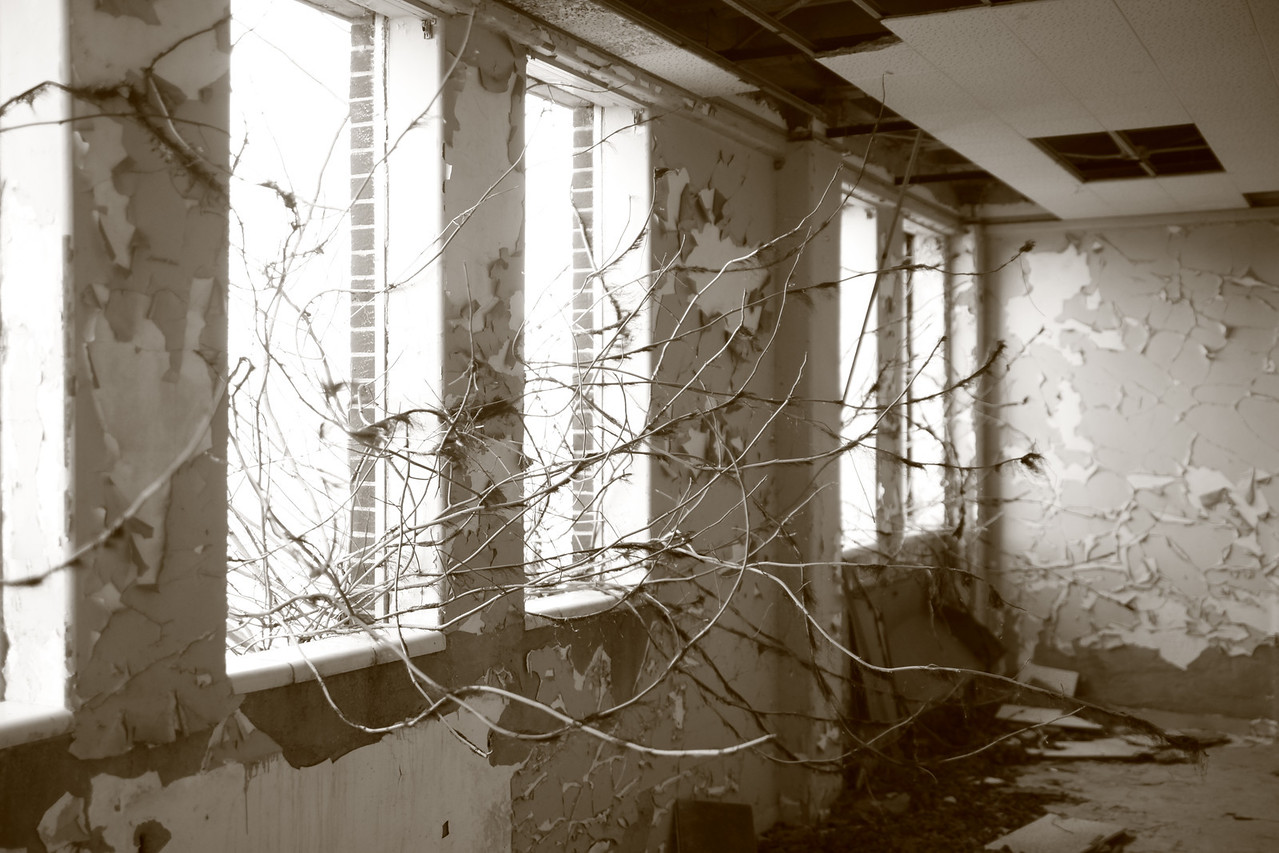 Some photos just scream for Black and White! These Mississippi Delta photos are no exception. Kuhn Memorial State Hospital