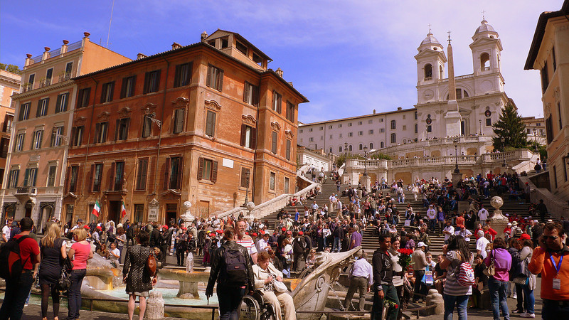The crowds at the Spanish steps.